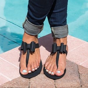 67 Off Sandal King Shoes Nwt Black Clear Jelly Sandals