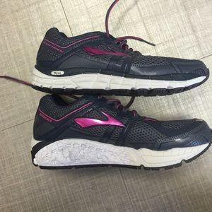 df5e1122548b3 Brooks Shoes - SALE!!!!NWOT! Brooks Addiction 12 Running Shoe