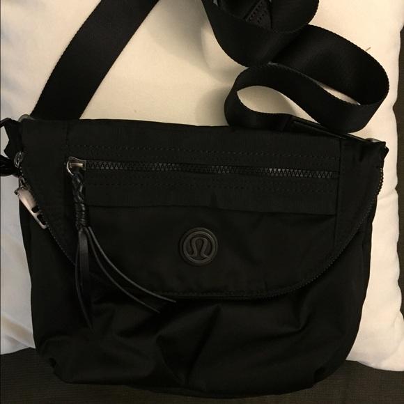 a1f32d7f2331 lululemon athletica Handbags - Lululemon Black Festival cross body bag