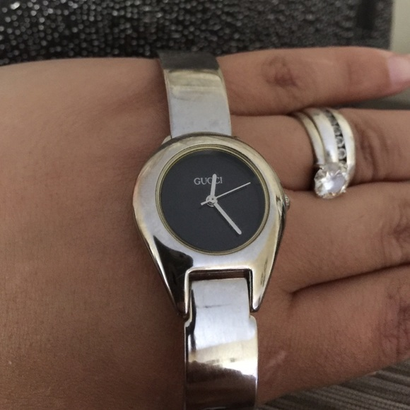 378853037e5 Gucci Accessories - Gucci Buckle Watch