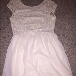 Lace cream dress. Never warn. Size medium.