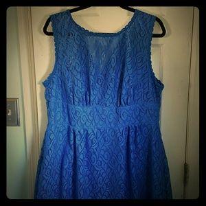 Swirl Pattern Lace Dress