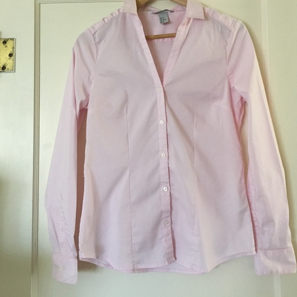 H&M - H&M light pink button-down shirt from ! marianne's closet on ...