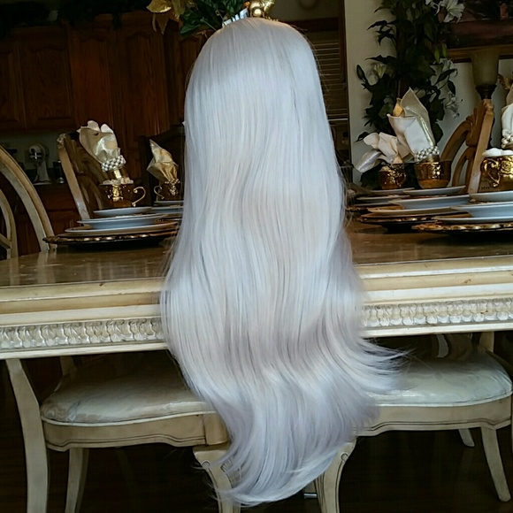 Silver Ash Blonde Beauty Waves Wig 22-24 inches!!