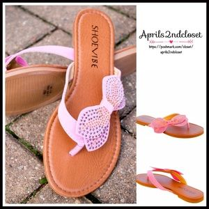 Boutique Shoes - ❗️1-HOUR SALE❗️Flats SANDALS Metallic Bow Flats