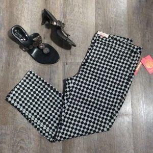 English Laundry Pants - English Laundry Black Geo Capris NWT Size 6
