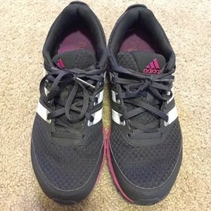 LIKE NEW RUNNING SHOES