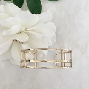 Jewelry - ✨HP✨NWOT // Architectural Cuff Bracelet • Goldtone