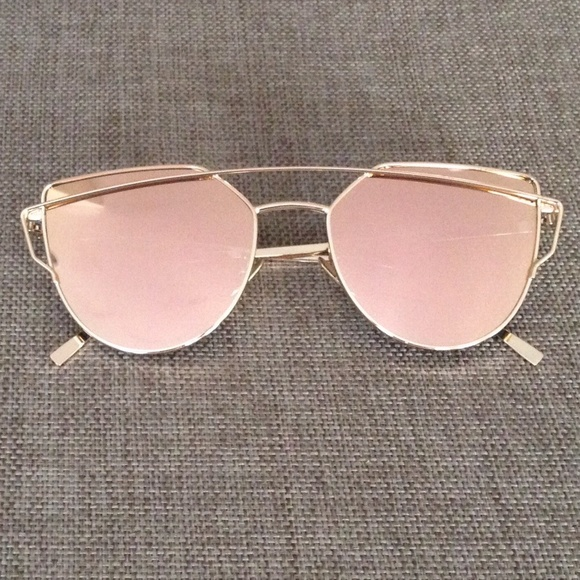 d630140c8ae9b 🆕Rose Gold Mirrored Sunglasses(restocked)