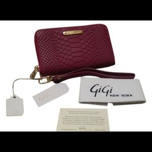 Gigi New York  Appealing python embossed wallet