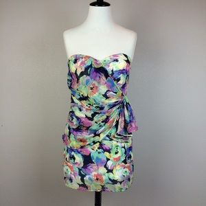 Yumi Kim Dresses & Skirts - Yumi Kim strapless floral mini dress. Size XS