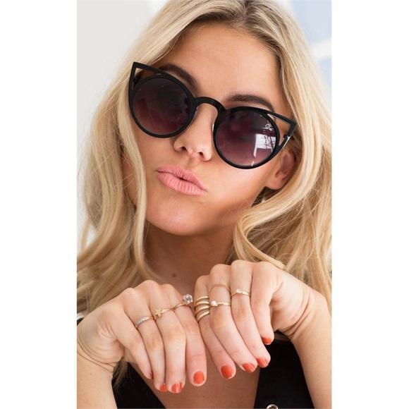 e48d61f8d17 Quay Invader Cat Eye Sunglasses