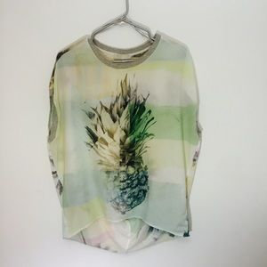 Loose pineapple Zara tee