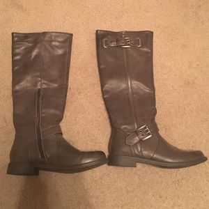Tall Grey Boots Size 7