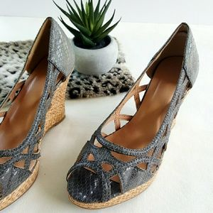 F21 | Grey Snakeskin Wedges