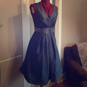 JS Boutique Dresses & Skirts - Beautiful turquoise/teal dress with sequins
