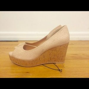 NWT H&M wedges light pink suede size 8