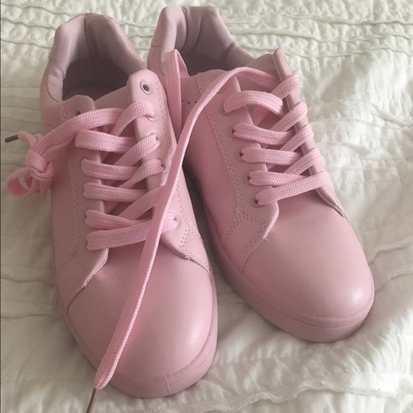 Via Pinky Shoes | Baby Pink Sneakers