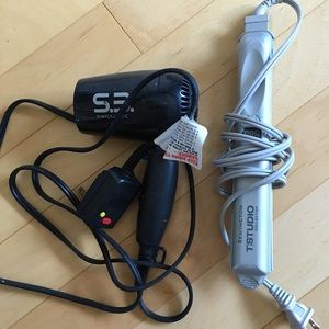 Accessories - Travel blow dryer and flat iron