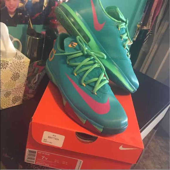 cfcecc5b923 Grade School Nike KD 6