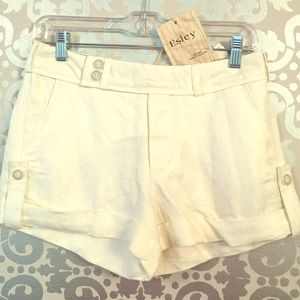 Esley Pants - Ivory Shorts with Cuff
