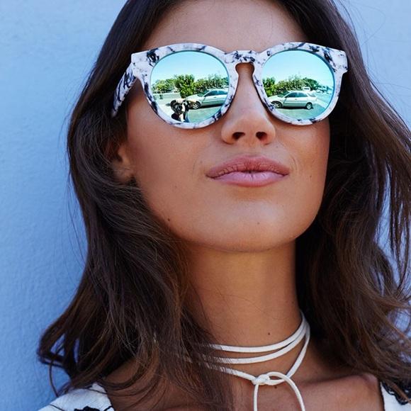2839c365e3f 🆕Quay High Emotion white marble sunglasses