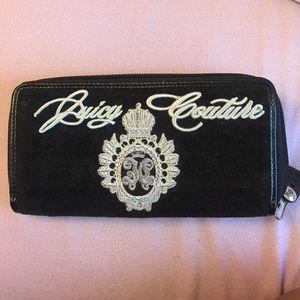 Juicy Couture velvet zipper wallet