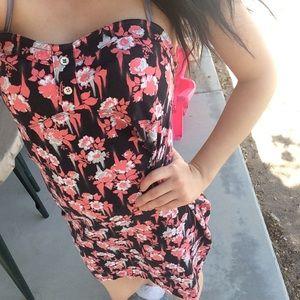 Floral volcom dress!