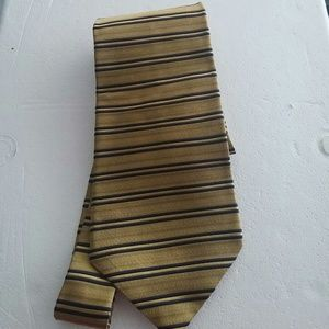 Lord & Taylor Other - Men's imported silk tie