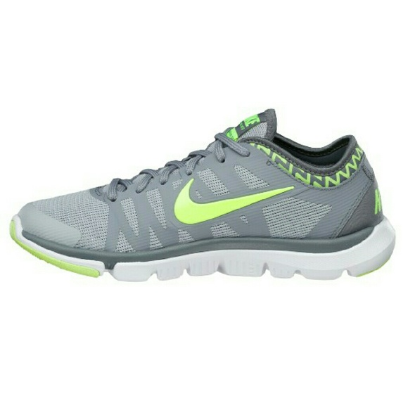 ae36998f00a5 Nike Women s Flex Supreme TR 3 Training shoes