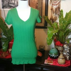 Large green ribbed T