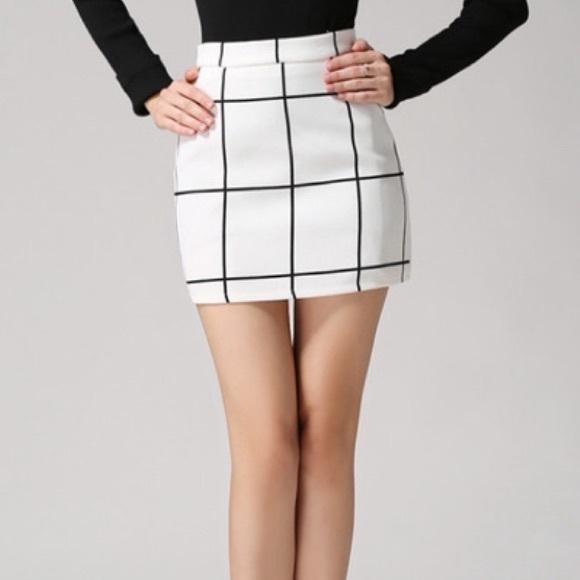 44557d87d Dresses & Skirts - Chic Black & White Grid Mini Skirt