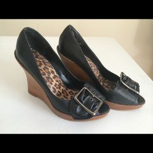 Wild Pair Shoes - Size 7 Black Wild Pair Wedges