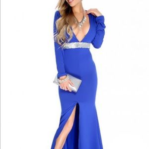 Dresses & Skirts - Royal blue long sleeve body party dress