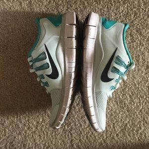 Nike Shoes - Tiffany Blue Nike Free 5.0