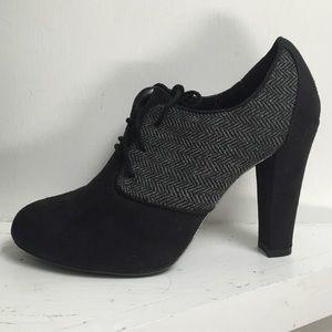 Black close toed heels by XOXO.
