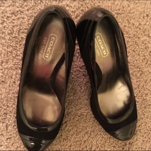 COACH size 6 black patent leather & suede wedges