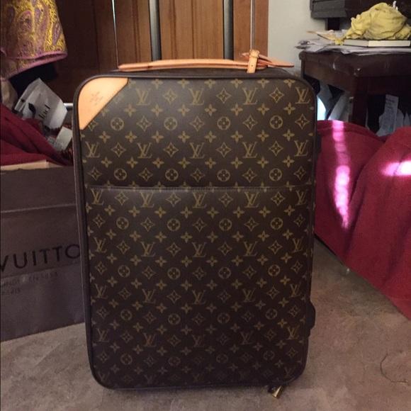 bbdea766eeda Louis Vuitton Other - Louis Vuitton Pegase 60 carry on luggage