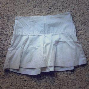 Dresses & Skirts - Pleated white skirt!