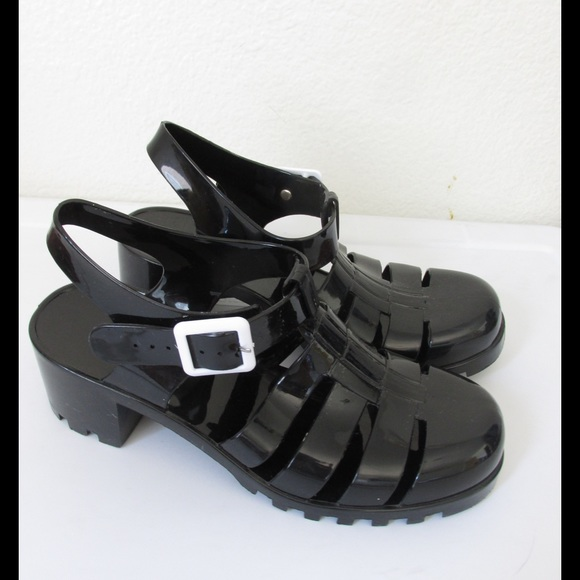9e3a2b88225a Cute black jelly sandals. M 57742e3d291a353cd1001343