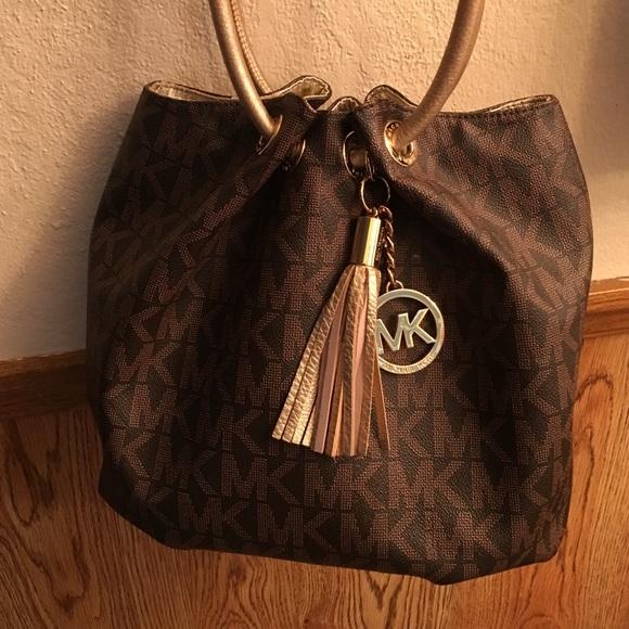 2dba7f37e3 Mk hobo style bag. M 577455782de51267a60050c1