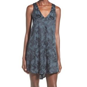 PRICE DROP!! ASTR Floral Jacquard Shift Dress sz L