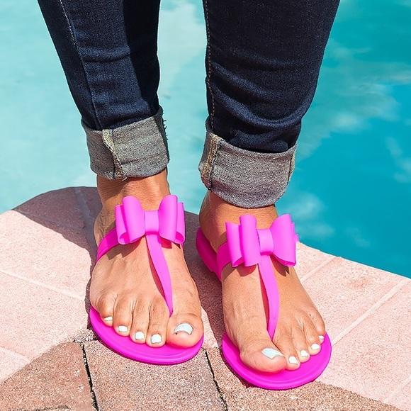 fd3e0a58bcf5 Neon Fuchsia Bow Jelly Sandals