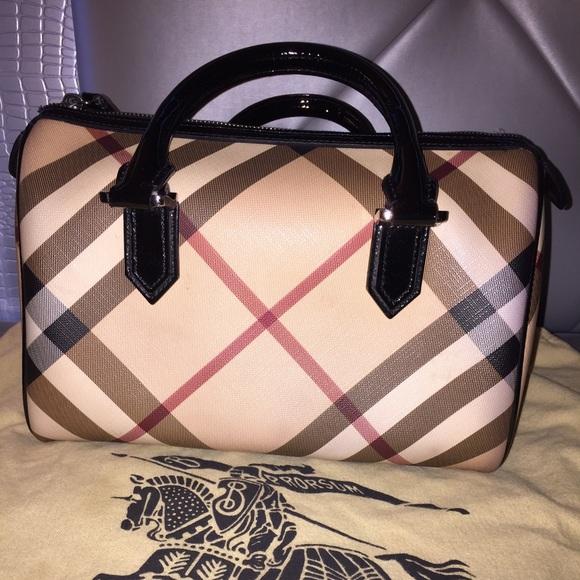 09ca3e7efeb Burberry Handbags - Burberry Boston bag