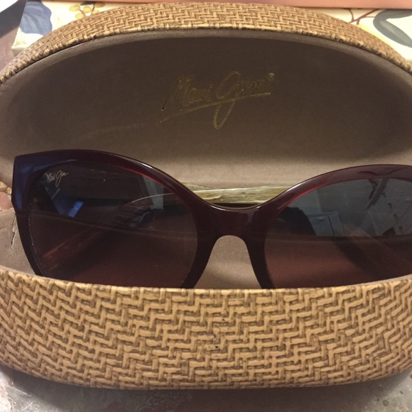 Maui Jim Warranty >> Maui Jim Accessories Sunglasses Venus Pools Reduced Poshmark