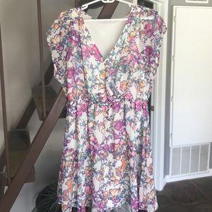 Lush Dresses & Skirts - Very cute 🌸 dress. Worn once. Lush size L