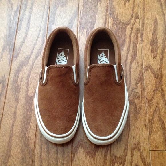 68101684d44 Vans Classic Slip-on Sneakers in brown suede