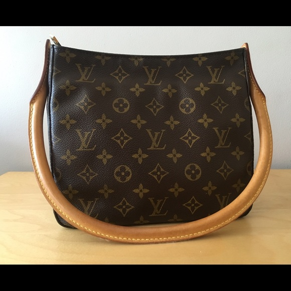 Louis Vuitton Looping Mm Monogram Canvas Handbag 1T69Rz277W