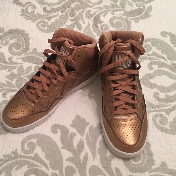 reputable site 6c961 9c71b Rose gold high top Nike tennis shoes nwot. M57756aff713fdeac8a022015