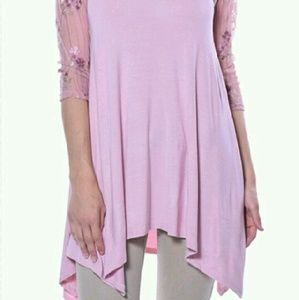 Pastels Clothing Tops - 💥2 Left💥Pastels Pink Floral Sheer Sleeve Tunic